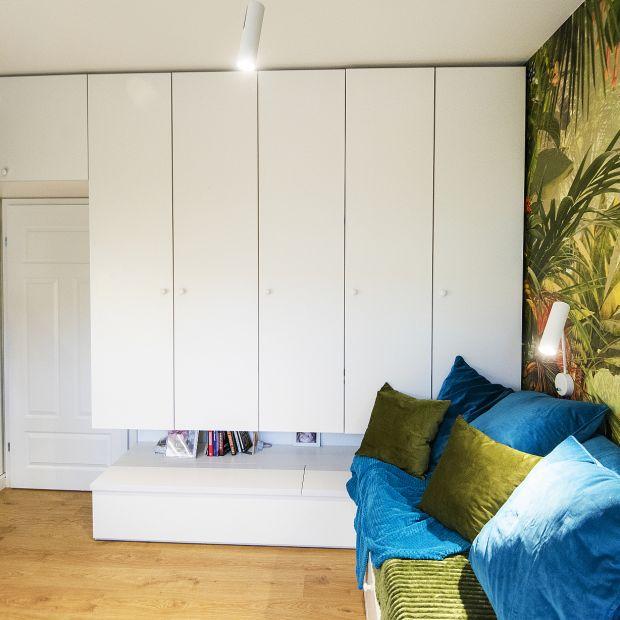Nowoczesne mieszkanie: zobacz piękne, jasna wnętrze