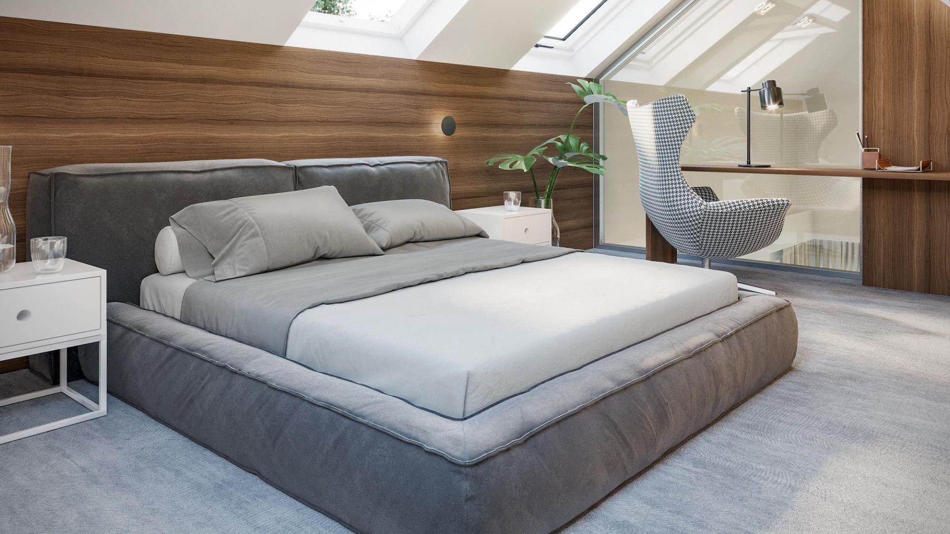 Poddasze skrywa wydzielony apartament rodziców składający się z sypialni oraz prywatnej łazienki i garderoby. Dom HomeKoncept 13. Projekt i zdjęcia: HomeKoncept