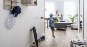 Decydując się na remont czy tylko wiosenną metamorfozę mieszkania, nie możemy zapominać o przedpokoju. Od tego jak zorganizujemy to pomieszczenie, zależy w dużej mierze charakter całego mieszkania.