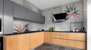 Co może zmienić dodanie koloru w kuchni? Czy lepiej jest postawić na subtelne pastele, czy jednak na odważne, żywe barwy? Kolorowe kuchnie powracają w letnich trendach!