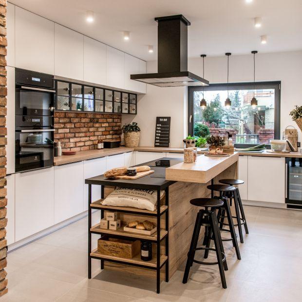 Nowoczesny materiały w kuchni: AKRYL – poznaj nowe możliwości aranżacyjne