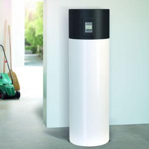 Pompy ciepła Bosch Compress 4000 DW i 5000 DW to praktyczne i oszczędne urządzenia, które zapewnią ciepłą wodę użytkową w całym domu o każdej porze roku. Fot. Bosch