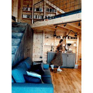 Marka Vox kompleksowo wyposażyła dom od podłogi, przez łóżko i fotel, po talerze i haczyki na ubrania. Fot. Ernest Wińczyk