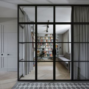 Gabinet z prywatną biblioteką. Projekt: Madama. Fot. Yassen Hristov
