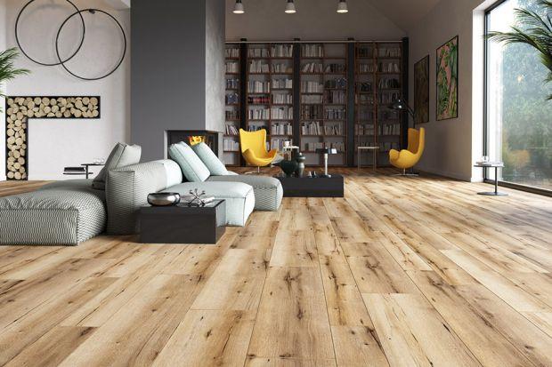 Podłoga w salonie - piękne kolekcje z rysunkiem drewna