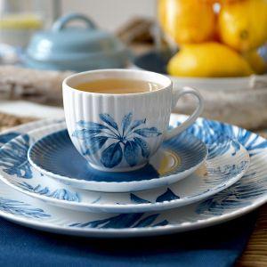 Kolekcję porcelany  Daisy wyróżnia reliefowe zdobienie, które przywodzi na myśl rozkwitającą stokrotkę. Fot. Lubiana