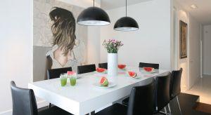 Prosta i minimalistyczna w formie czy bardziej elegancka i bogato zdobiona - każdy może urządzić jadalnię według własnego gustu. Pamiętajmy też o jej funkcjonalności i spójnej aranżacji.