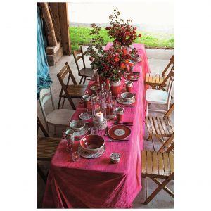 Kolekcja Roses na nowo odkrywa róże jako motyw zdobniczy. Fot. Ceramika Bolesławiec