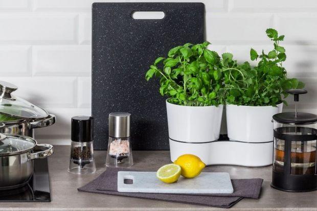 Przechowywanie w kuchni - jak zaaranżować przestrzeń