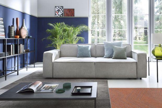 Nowe kolekcje kanap, foteli i narożników wyróżniają się lekką konstrukcją i prostymi, kompaktowymi formami. Nie dominują aranżacji wnętrza, ale efektownie i dyskretnie ją uzupełniają.
