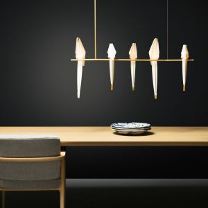Lampa Perch, proj. Umut Yamac, w formie ptaków na gałęzi. Fot. Moooi