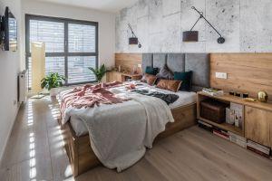 Sypialnia nawiązująca do stylu industrialnego to propozycja dla osób ceniących nowoczesny minimalizm i subtelne kontrasty. Projekt i zdjęcia: KODO