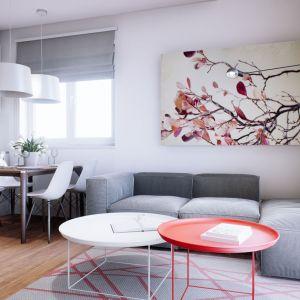 Wnętrze domu to dużo bieli, przestrzeni i naturalnego światła, które pozytywnie wpływa na samopoczucie, wprowadzając do środka jasny, pogodny klimat. Dom Mini 3. Fot. Pracownia Projektowa Archipelag