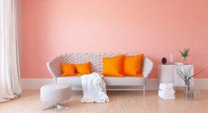 W 2019 jest to living coral, barwa będąca czymś pomiędzy różem i oranżem, nawiązująca do rafy koralowej. To kolor ciepły, pozytywny i energetyzujący. Jak dobrze go wykorzystać, by nadać wnętrzu niepowtarzalny styl?