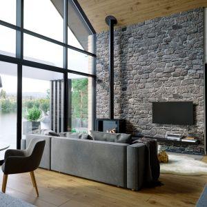 Duże przeszklenia i przesuwne drzwi tarasowe to trend nowoczesnego budownictwa. Fot. Home Koncept