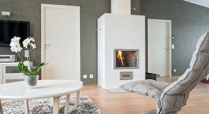 Funkcja jaką spełnia komin sprawia, iż jest to jeden z najważniejszych elementów budowlanych domu. Niespełnienie odpowiednich wymogów zarówno przez komin i urządzenie grzewcze może przełożyć się na mniejszą efektywność energetyczną, poż