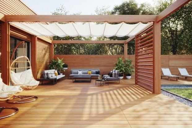 Strefa relaksu w ogrodzie: meble, huśtawka, pergola