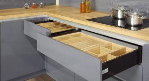 Chcemy aby meble kuchenne nie tylko stanowiły ozdoby naszych wnętrz, ale również były praktyczne w użytkowaniu. Oznacza to, że naszym wymogiem jest by wszystko tu miało swoje miejsce – przecież nikt nie lubi podczas gotowania szukać potrzebnyc