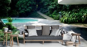 Latem zacierają się granice pomiędzy domem a ogrodem. Ogród staje się dodatkową przestrzenią do życia. Za sprawą marki Gervasoni i jej kolekcji mebli In Out przestrzeń ta może być równie wygodna i stylowa, co salon lub jadalnia.