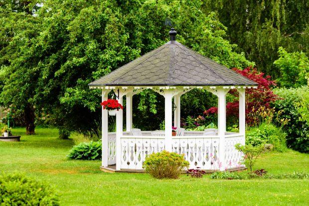 Drewno w ogrodzie - wybierz odpowiednią ochronę
