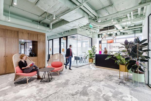 Elastyczne powierzchnie biurowe - odpowiedź na współczesne potrzeby