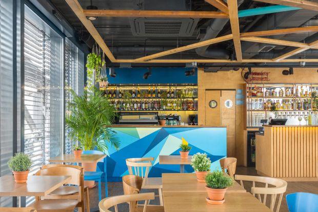 Przystań Nowa Fala - zobacz wnętrza restauracji na barce