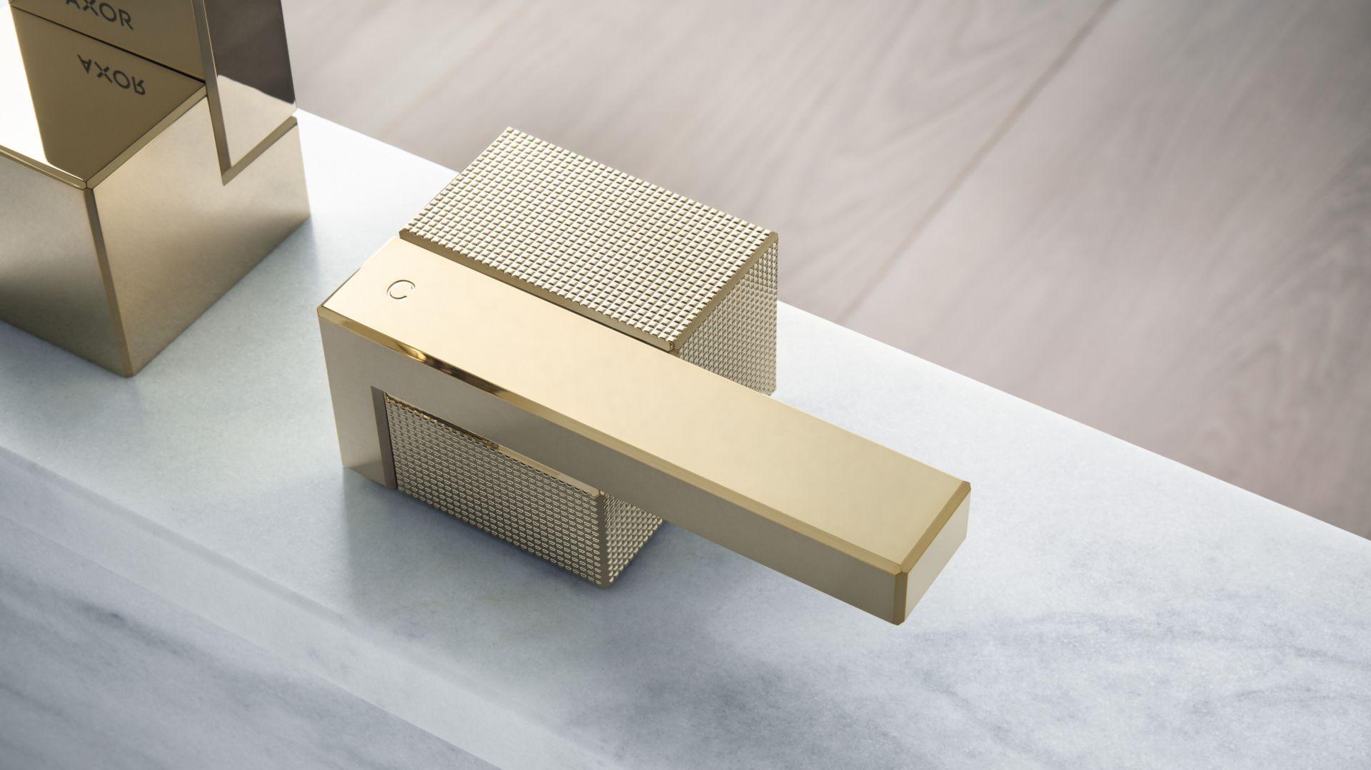 Elegancka prostota geometrycznych form i niezwykła precyzja wykonania to kwintesencja luksusowej linii baterii łazienkowych Axor Edge. Fot. mat. prasowe Greston