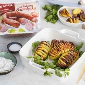 Ziemniaki a la Hasselback z kiełbasą ostrołęcką. Fot. ZM Pekpol
