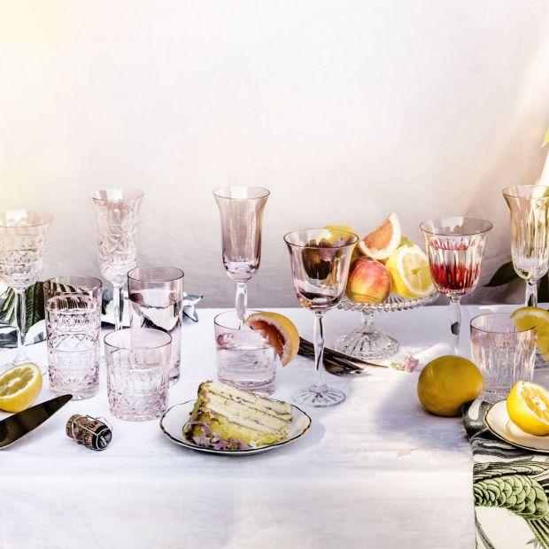 Szklane dzieła sztuki - naczynia na letni stół
