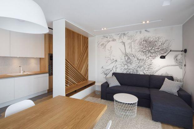 Ciepła Skandynawia - zobacz przytulne, jasne mieszkanie