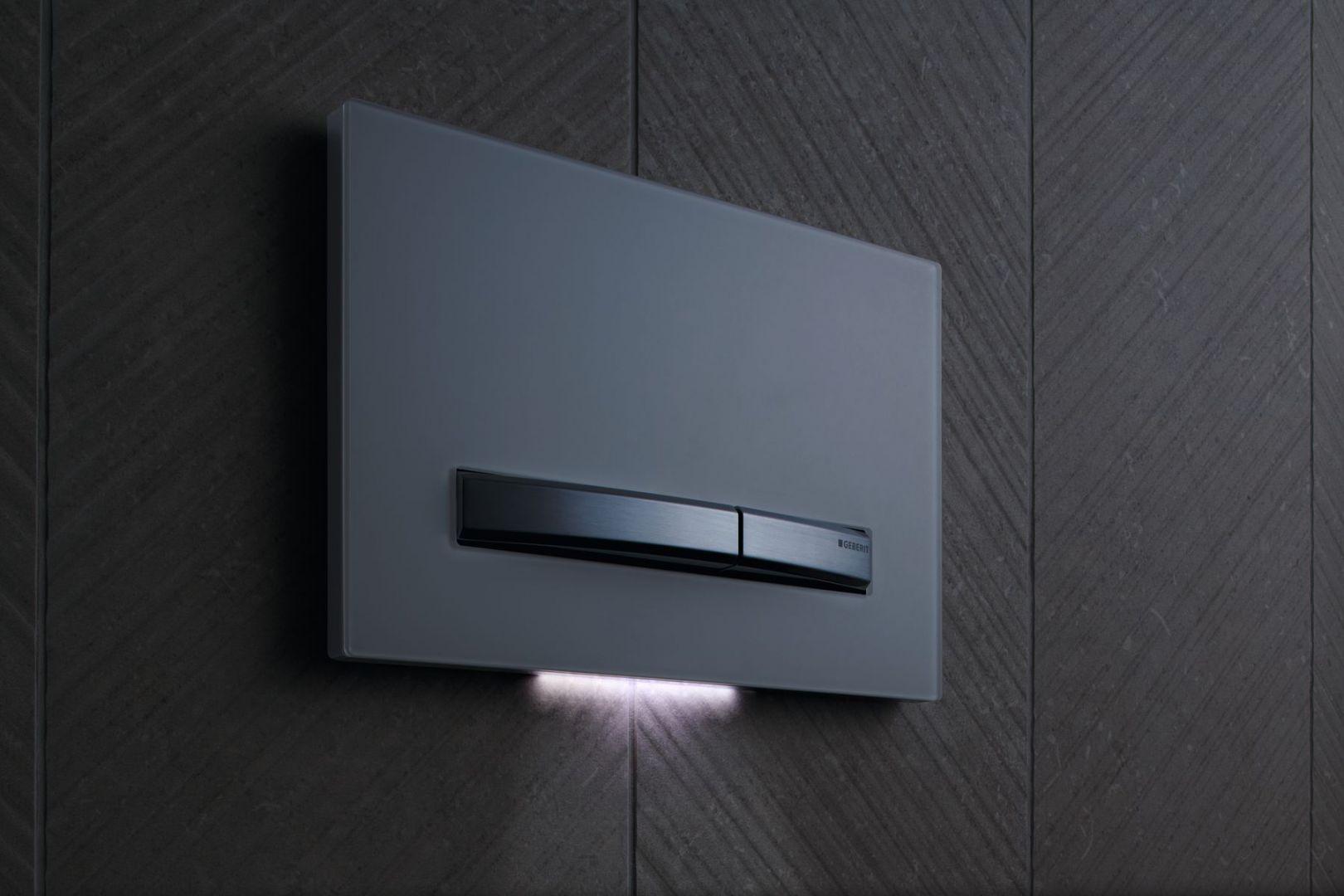 Moduł DuoFresh posiada dyskretne podświetlenie  orientacyjne, wskazujące drogę w przypadku korzystania toalety w porze nocnej.   Fot. Geberit