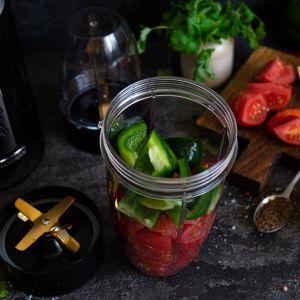 Sos salsa z blenderem NutriBlender PSC-80. Fot. Sam Cook