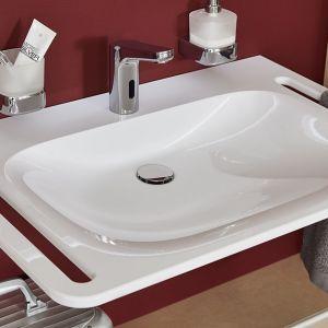 Kolekcja umywalek mineralnych VIGOUR derby plus z uchwytami bocznymi. Produkt zgłoszony do konkursu Dobry Design 2020.