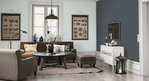 W małym mieszkaniu jedno pomieszczenie często pełni wiele funkcji. Pokój dzienny na noc zamienia się w sypialnię, a kuchnia jest jednocześnie jadalnią i miejscem do pracy.