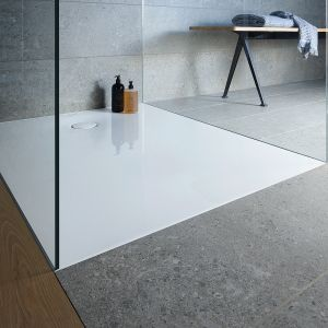 TEMPANO - oferuje 27 różnych rozmiarów, stanowiąc idealne rozwiązanie niemal do każdego nowego projektu wykończenia i renowacji. Wysoce estetyczny i wyjątkowo przestrzenny, szczególnie w przypadku montażu płaskiego. Fot. Duravit