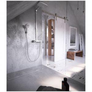 LINESRIS COMPACT - odpływ liniowy stworzony z myślą o renowacjach łazienki. Całkowita wysokość zabudowy tylko 80 mm. Pokrywa ze stali nierdzewnej po odwróceniu do zabudowania płytkami. Fot. Kessel