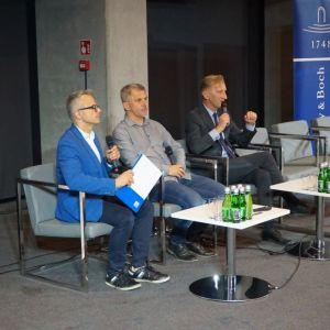 Dyskusja podsumowująca Zaprojektuj to Technologie. Fot. SDR Katowice