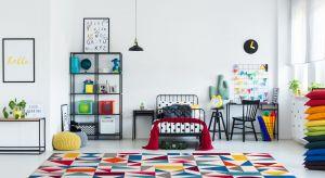 Wrzesień to doskonały czas na odświeżenie lub remont dziecięcych pokoi. Funkcjonalność, przytulność i komfort użytkowania, zapewni dobrze dobrana podłoga i jej wykończenie.