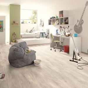 Podłoga w pokoju dziecka. Fot. Sklepy Komfort