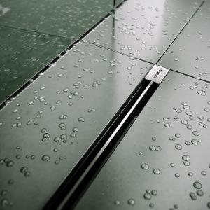 Nowoczesny i dyskretny odpływ liniowy Slim Durasan o długości 75 cm. Fot. Castorama