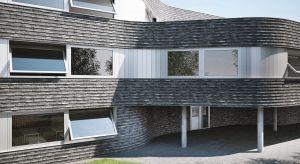 Okna obrotowe są popularnie kojarzone głównie z budownictwem publicznym czy wielorodzinnym, jednak mogą się sprawdzić także w domach jednorodzinnych.