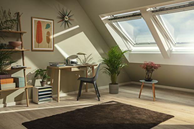 Wybór odpowiedniego okna to pierwszy krok to zapewnienia światła i świeżego powietrza na poddaszu. Stolarka dobrej jakości będzie nam służyć wiele lat, dlatego przed zakupem powinniśmy przemyśleć wybór i porównać najważniejsze parametry o