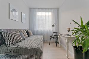 Niewielkie mieszkanie w Gdańsku - pokój gościnny. Projekt: Ewelina Rydzewska (Indezzo)