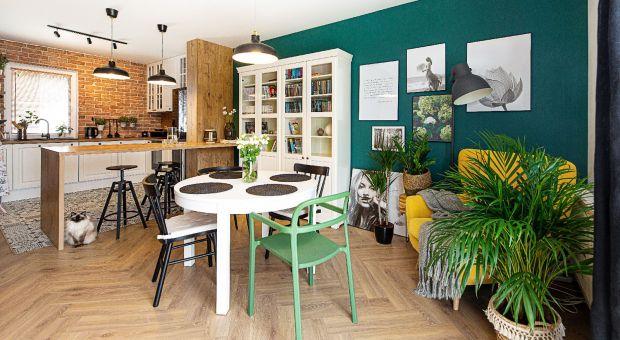 Ciepłe, przytulne mieszkanie dla rodziny - zobacz eklektyczne wnętrze