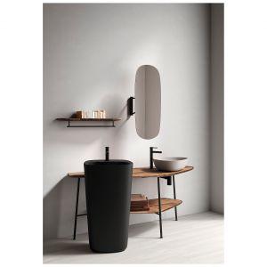 ORIGIN – seria mosiężnych baterii o eleganckich, subtelnym wzornictwie, dostępnych w wykończeniach chrom, szczotkowany nikiel, miedź, a także modnej matowej czerni. Fot. VitrA