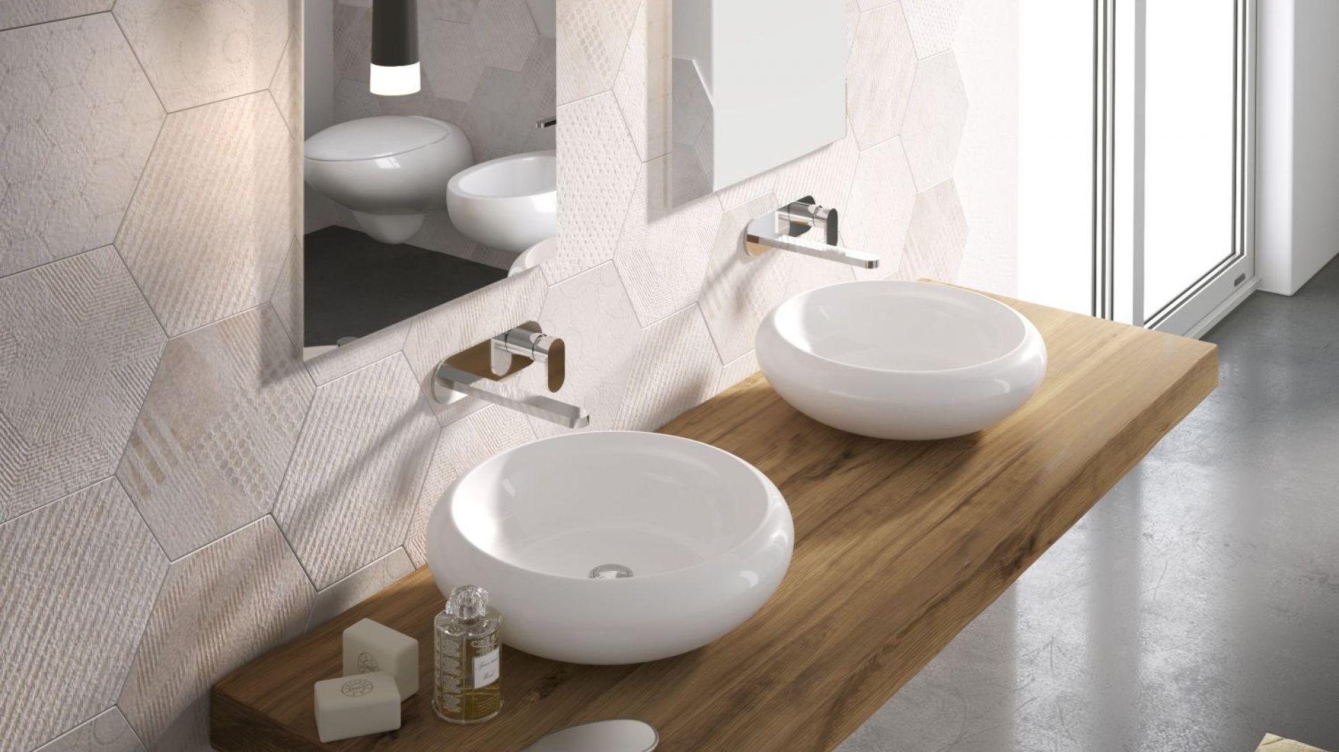 TAO - okrągła umywalka nablatowa dostępna w różnych wariantach kolorystycznych. Fot. Hidra
