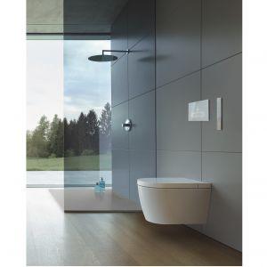 Toaleta myjąca Sensowasz Starck F z funkcjami mycia i suszenia, a także usuwania kamienia i zapachów; miska w.c. z technologią Rimless, szkliwo HygieneGlaze 2.0 o właściwościach antybakteryjnych. Fot. Duravit