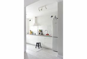 Mieszkanie w stylu skandynawskim - kuchnia. Projekt: Magdalena Miśkiewicz. Zdjęcia: Anna Powałowska
