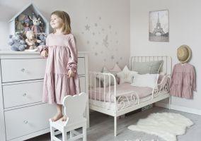Mieszkanie w stylu skandynawskim - pokój dziecka. Projekt: Magdalena Miśkiewicz. Zdjęcia: Anna Powałowska