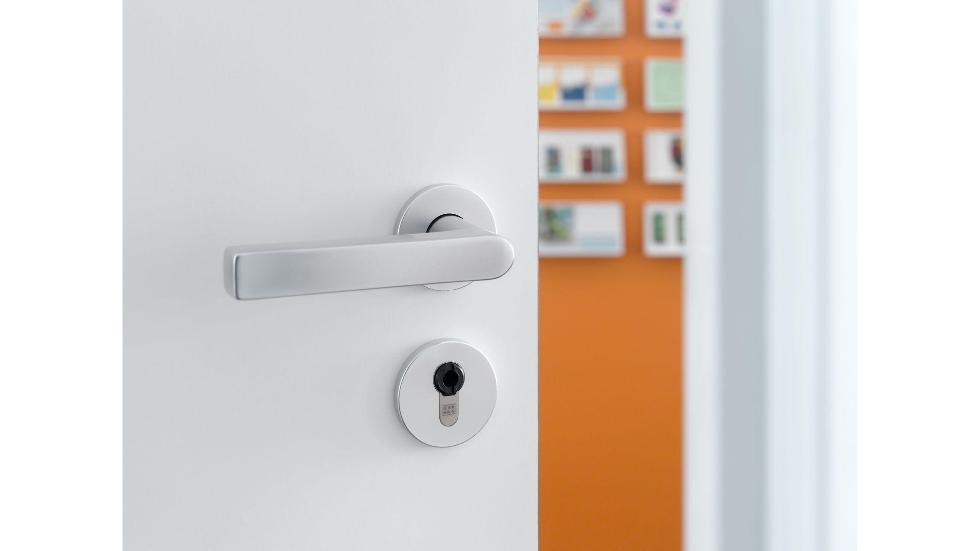 Elektroniczny system kontroli dostępu Winkhaus blueSmart/Winkhaus. Produkt zgłoszony do konkursu Dobry Design 2020.